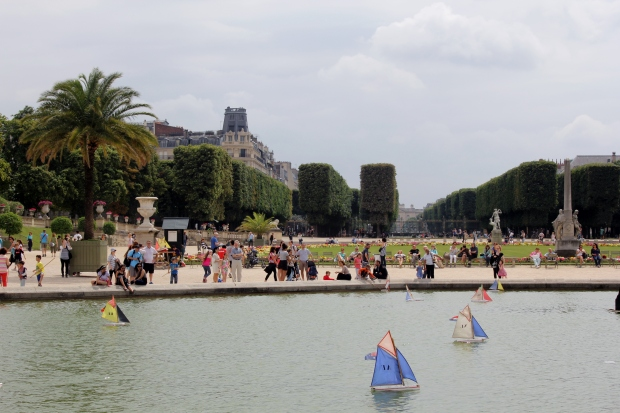 Boats in the Luxembourg Gardens - Paris - The Wishing Tree Blog