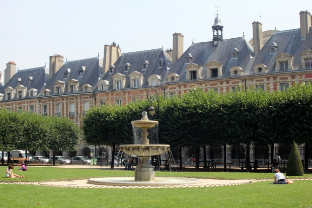 Place des Vosges - The Wishing Tree Blog