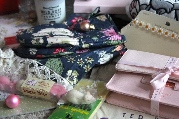 Frocks & flowers frocks and flowers uk lifestyle blog christmas gifts presents