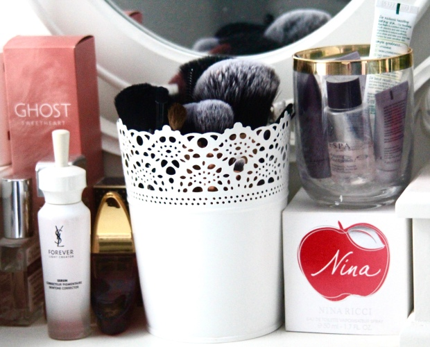 frocks and flowers frocks & flowers uk lifestyle blog beauty blog makeup brushes best brushes to use makeup brush review