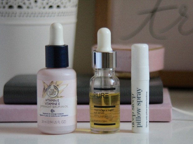 frocks and flowers edinburgh beauty blog edinburgh lifestyle blog edinburgh blogger bedside beauty must haves body shop serum review pure spa serum review this works pillow spray review